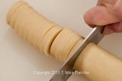 Slicing cookies