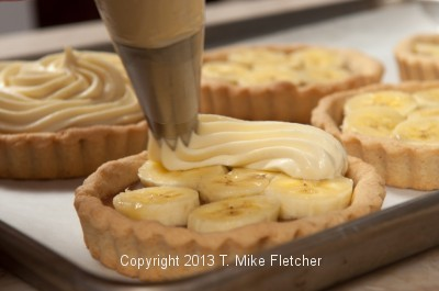 Piping Pastry Cream 1