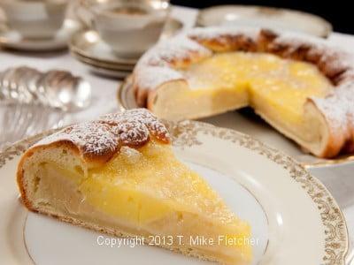 Slice of Lemon gooey Buttercakek