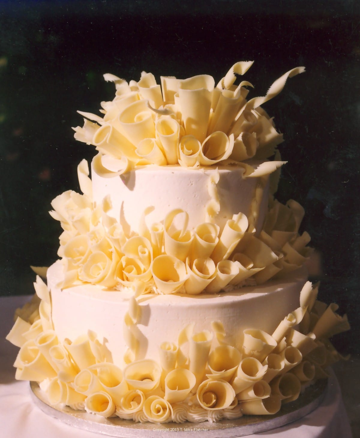 White chocolate curls pastries like a pro for Decoration layer cake