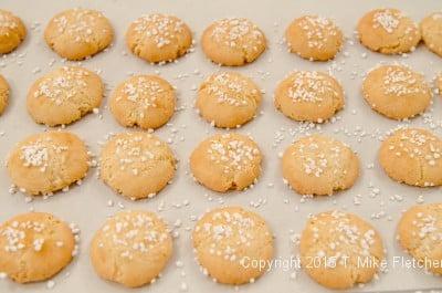Amaretti cookies baked