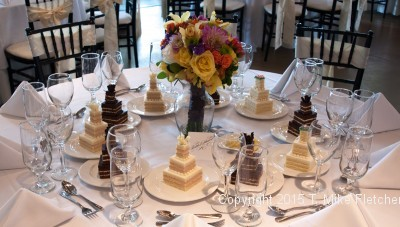 Table setting of Mini-Wedding Cakes